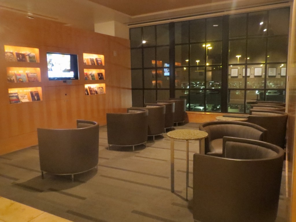 american_airlines_admirals_club_dallas_terminal_a_review_trip_report_4