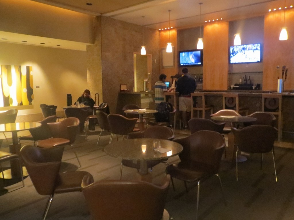 bar_american_airlines_admirals_club_dallas_terminal_a_review_trip_report_8