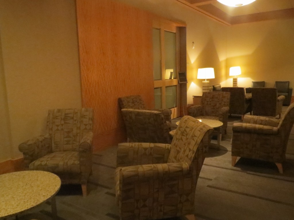 secret_room_international_first_class_lounge_american_airlines_admirals_club_dallas_terminal_a_review_trip_report