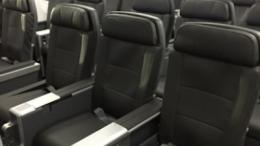 american_airlines_787-9_premium_economy_seat_photos