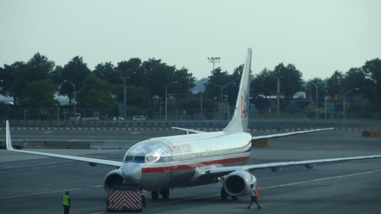 american_airlines_737_new_york_jfk