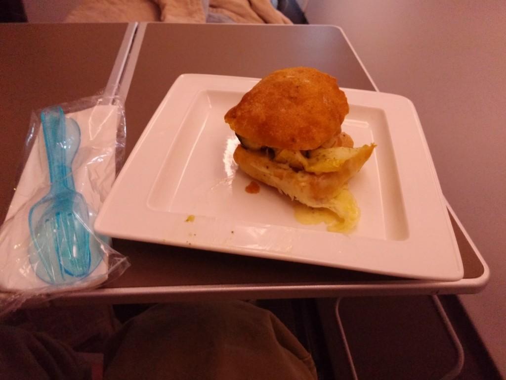 british_airways_ba_a380_business_class_club_world_food_snack