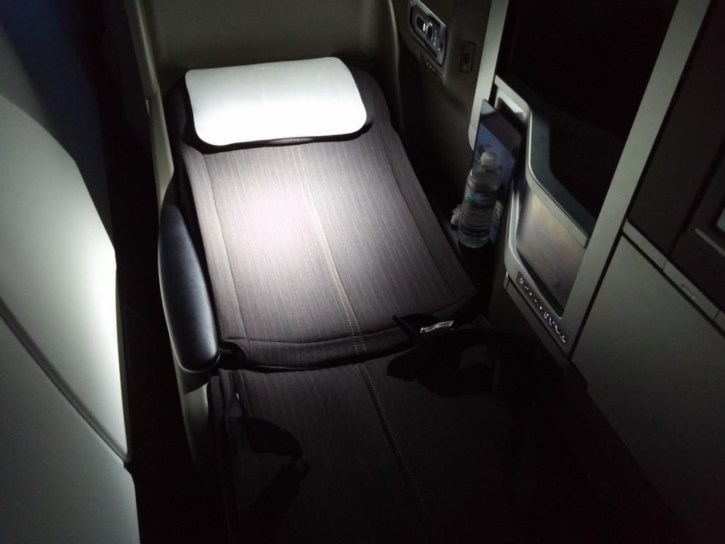 british_airways_ba_a380_business_class_club_world_seat_bed