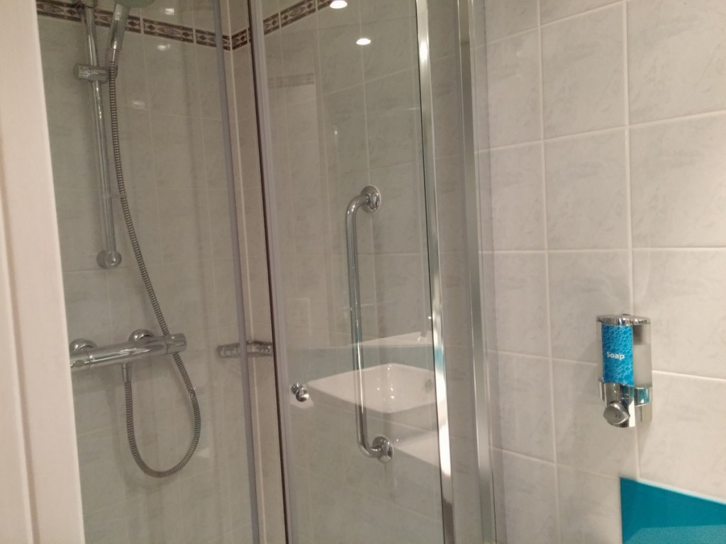 holiday_inn_express_bath_review_5