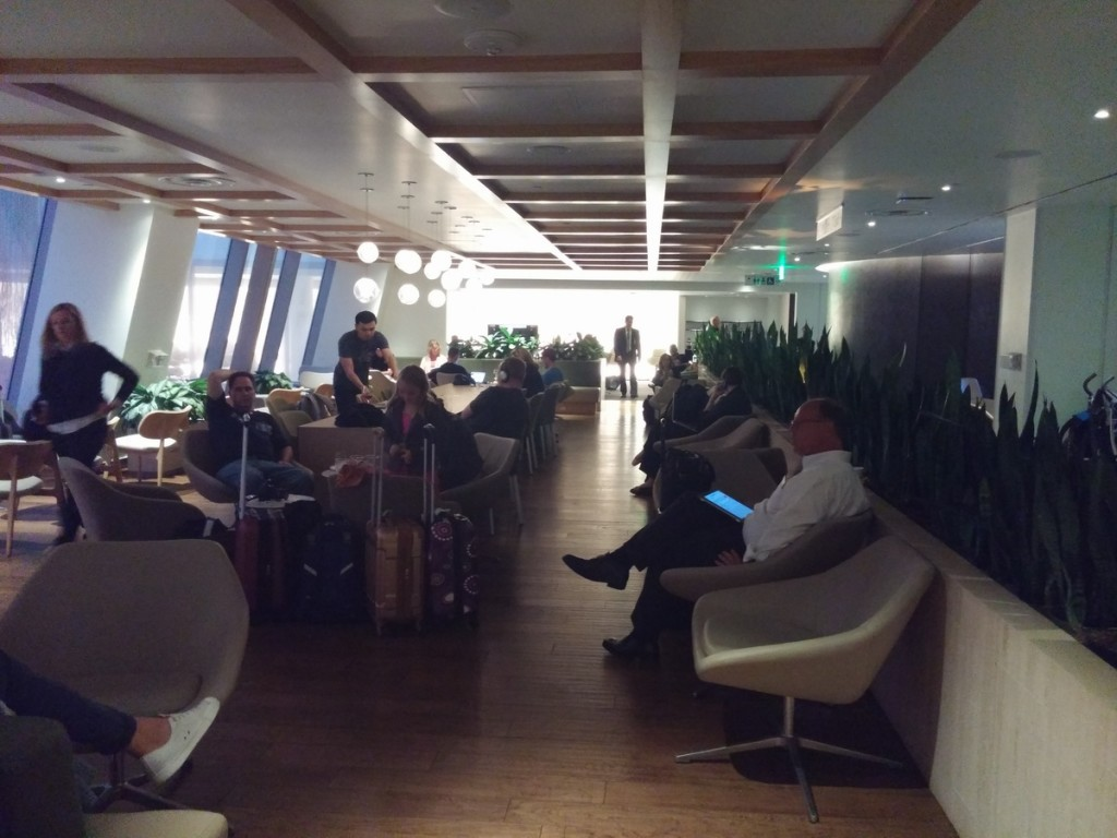 oneworld_lounge_lax_tom_bradley_international_terminal_tbit_seating_1