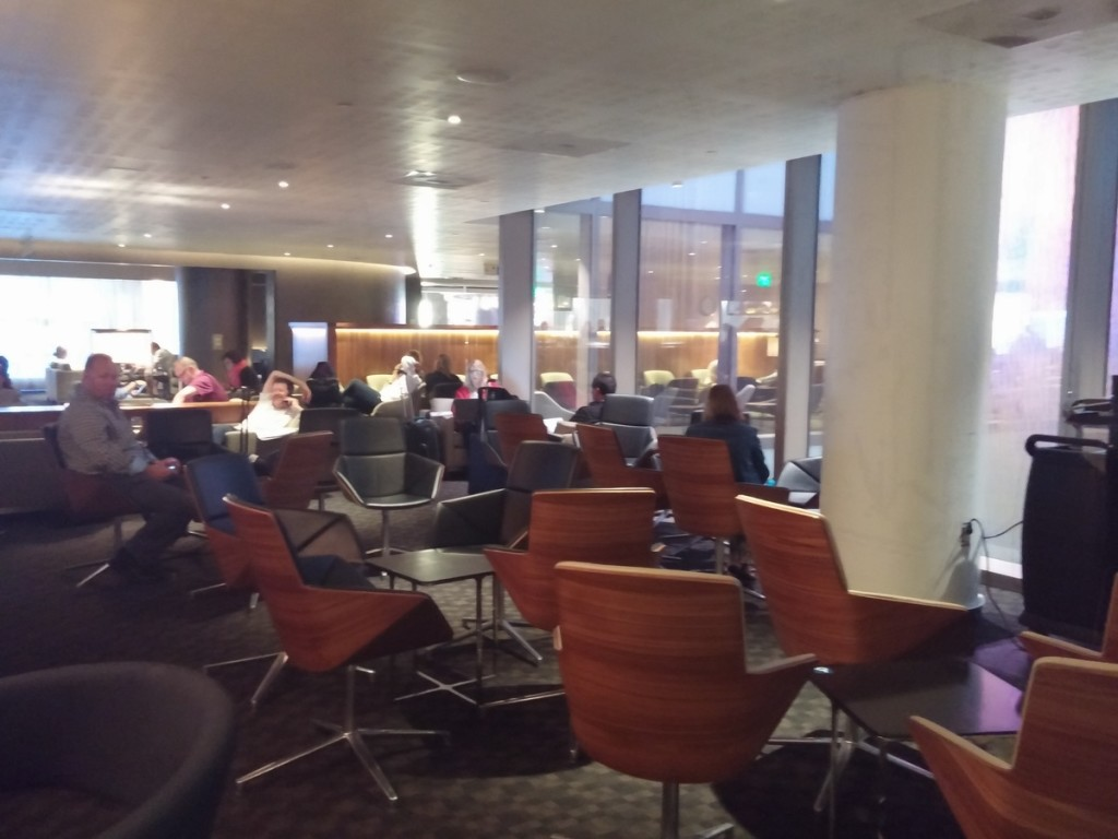 oneworld_lounge_lax_tom_bradley_international_terminal_tbit_seating_2