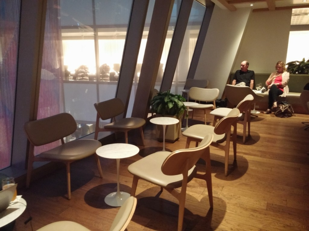 oneworld_lounge_lax_tom_bradley_international_terminal_tbit_seating_7